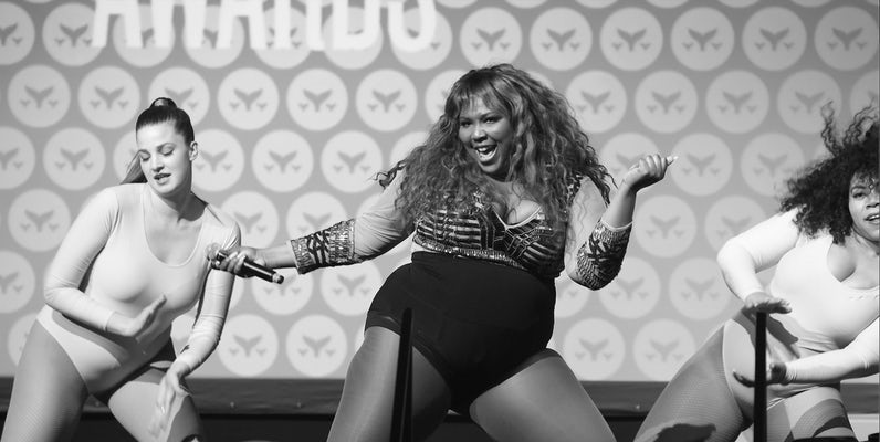 Lizzo dazzling the crowd on the Shorty stage